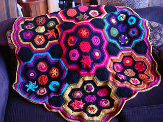 Rav_mysteryhex_finished_sofa_small2