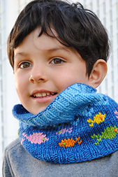 Fish-in-the-sea-cowl-knitting-pattern_small_best_fit
