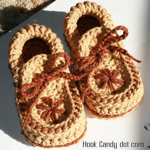 Ravelry: Toddler size Moccasin Slippers pattern by Sylver Santika