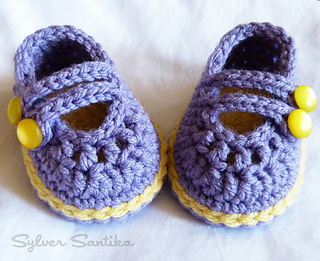 ffe3dbc5983 Ravelry  baby 2 Strap Mary Janes pattern by Sylver Santika