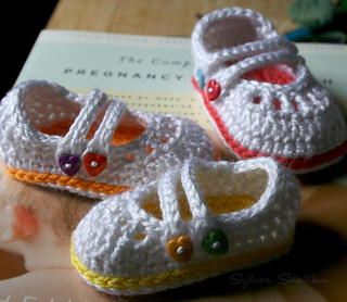 Hook_candy_crochet_patterns_by_sylver_santika_baby_two_strap_mary_janes_girl_booties_shoes_02_small2
