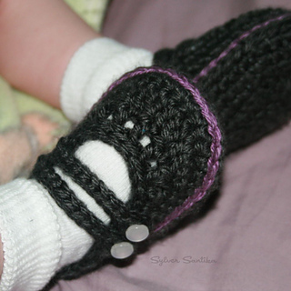 Hook_candy_crochet_patterns_by_sylver_santika_baby_two_strap_mary_janes_girl_booties_shoes_05_small2