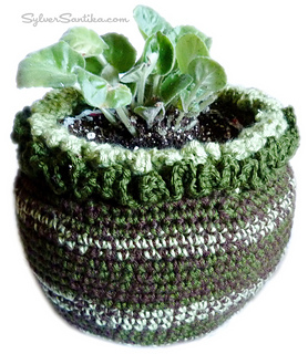 Sylver_santika_crochet_planter_flower_pot_small2