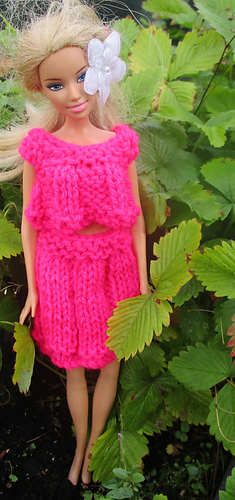 Ravelry Skirt And Top For Barbie Pattern By Taffylass Knits