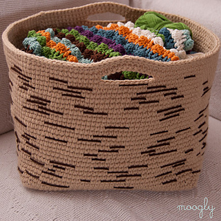 Birch-bark-basket-crochet-pattern-on-couch_small2