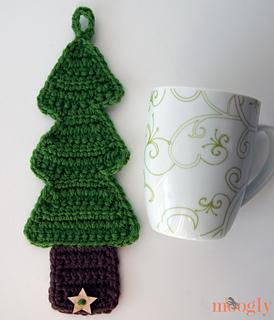 Christmas-cozy-with-mug-sm_small2