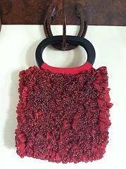 Ribbon_ruffled_purse_small