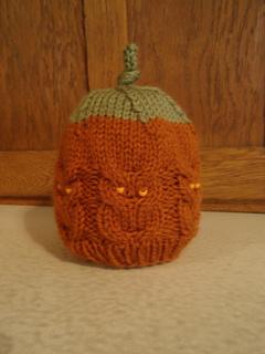 Pumpkin-y_owl_hat_small2
