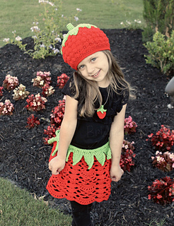 Bri_strawberry_outfit_fixednw_small2