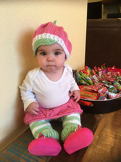 sc 1 st  Ravelry & Ravelry: Baby Strawberry Costume pattern by The Chilly Dog