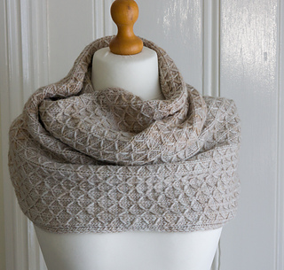Emma_s_quilted_lattice_in_simply_taupe_small2