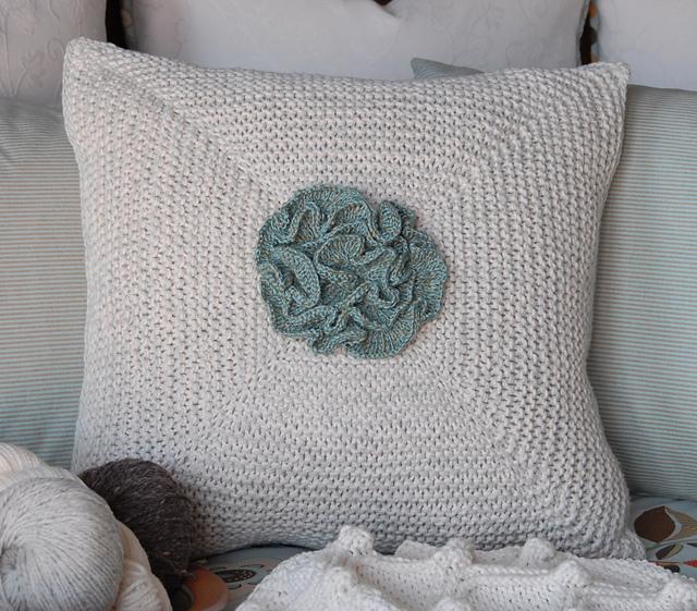 Ravelry Flower Pillow Pattern By Karen Turnbull