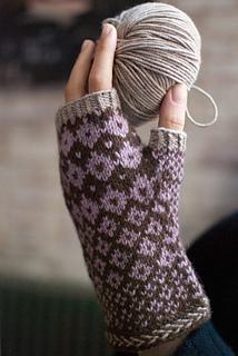 Trillium_yarn_ball_small2