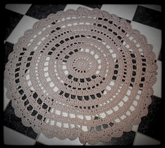 Doily_rug_on_floor_2_small