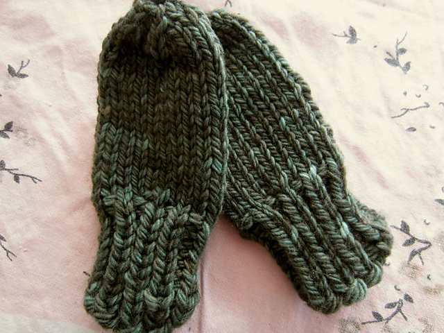 Ravelry: Chunky Baby Mittens pattern by Marla Holt