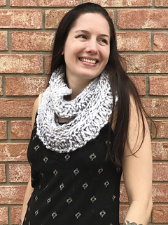 Snow_owl_cowl_doubled_small2