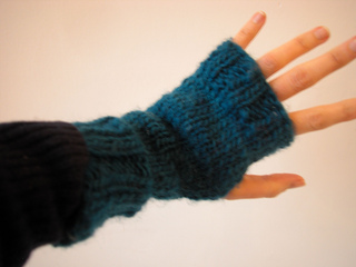38e68c8e7 Ravelry  lickity split fingerless mitts pattern by The Knit Cafe Toronto