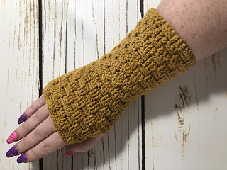 Stone Path Fingerless Gloves pattern by Jeananne Atthowe