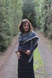 Zelda-shawl-by-truly-myrtle_26415959534_o_small2