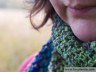 Hand-knitted-noro-silk-garden-shawl-pattern-001_small2