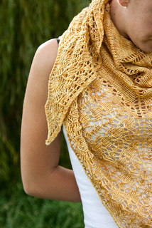 2093goldscarfdetail_small2