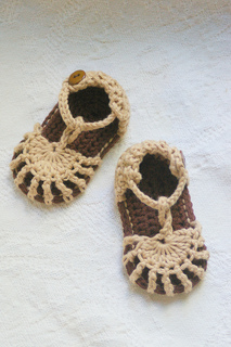 Baby_sandals_and_cole_camping_746_small2