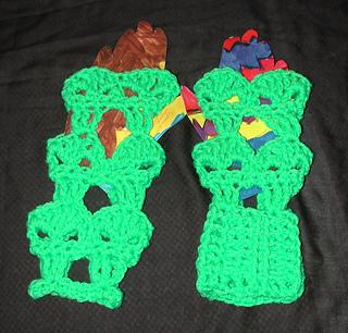 Alien_gloves_001_small2