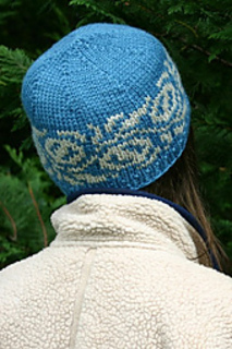 Macadamia-hat-blue-worn_small2