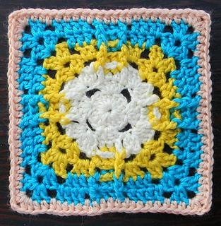 Granny_pineapplesun_small2