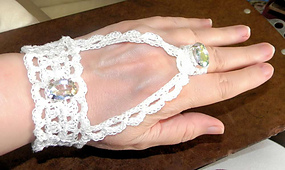 Bracelet_redheartcal1_small_best_fit