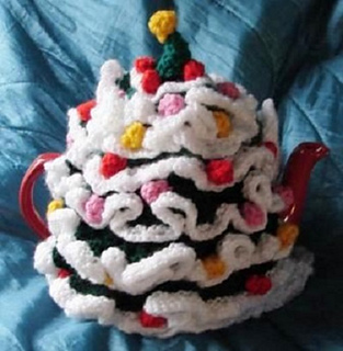 7fac0112d Ravelry  Christmas Tree Tea Cosy pattern by Pamela Lang