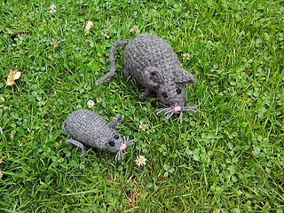 ravelry m use mice im garten pattern by umosch umosch. Black Bedroom Furniture Sets. Home Design Ideas