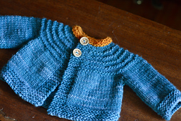 Baby_sweater5_small_best_fit