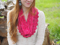 Ve170_lace_and_creme_cowl_3_small
