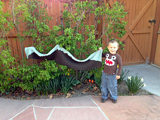 Tommy_holding_scarf_small2