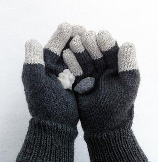 Basalt_gloves_together_small2