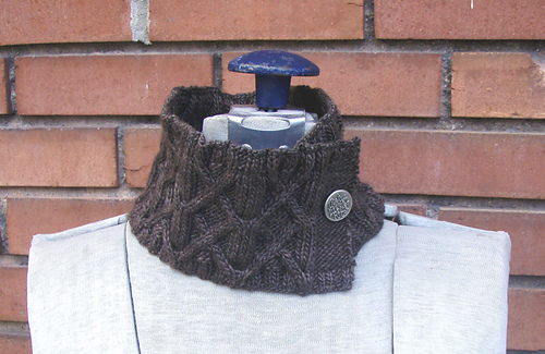 Trestle_neckwarmer_medium
