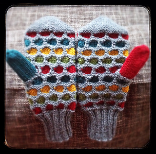 Ravelry Manly Honeycomb Mittens Pattern By Iamsnowfox