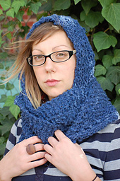 Cashmere_hooded_scarf_small_best_fit