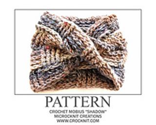 Crochet_mobius_shadow_small2