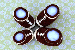 Football_baby_booties_6_small_best_fit