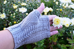 Cables_fingerless_mitts_03s_small_best_fit