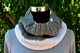 Two_colors_infinity_cowl_8s_small_best_fit