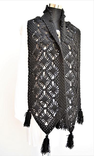 Ravelry Black Widow Scarf Pattern By Wiams Crafts