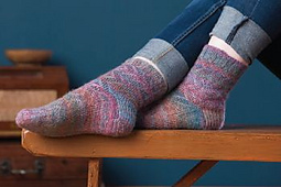 Handspun-lida-rose-socks_anne-podlesak_2_small_best_fit