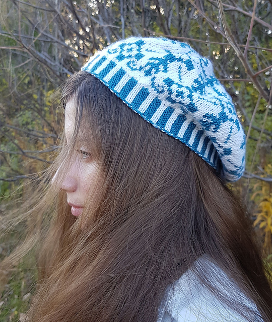 Delft beret image (modelled, side view)