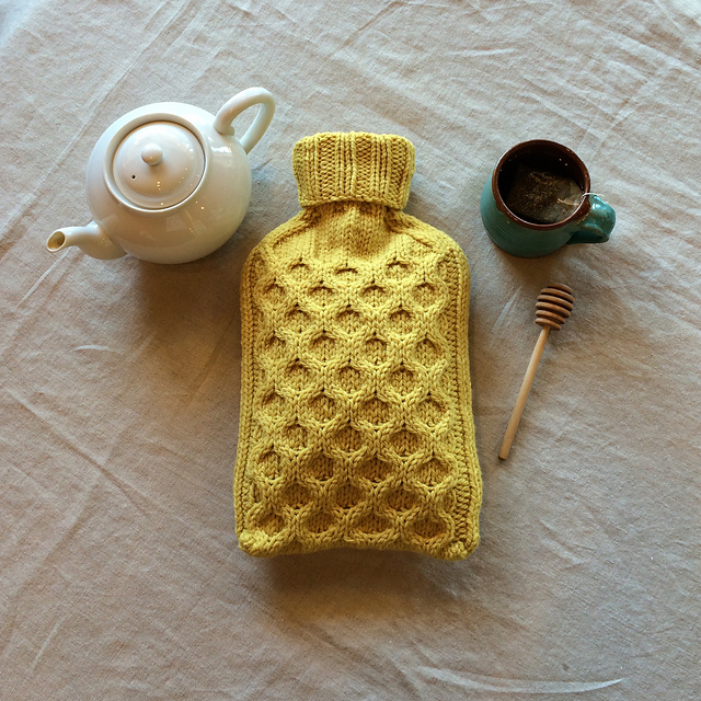 Ravelry Bee Cozy Pattern By Melissa Kelenske