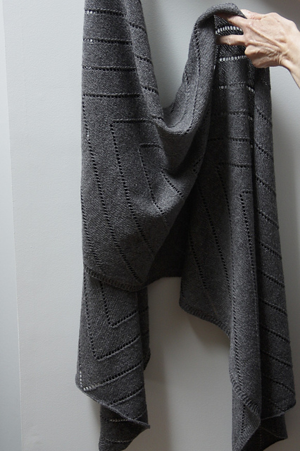 Otter's Wake Wrap pattern by Leslie Weber