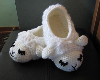 Sleepysheepyslipperssideandtop_small2