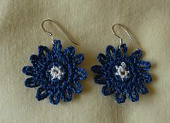 Bonny_blue_earrings_again__4__small